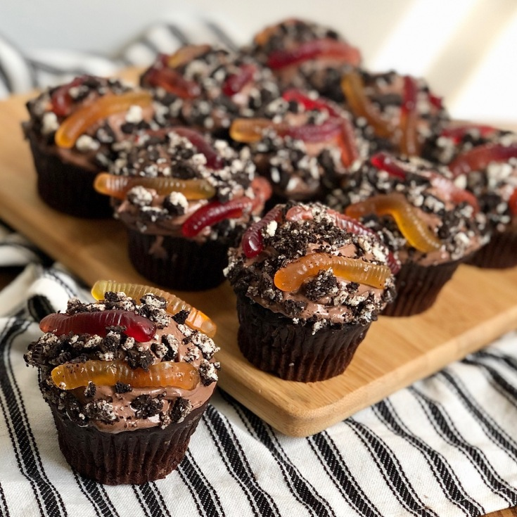 Healthier Chocolate Dirt Cupcakes